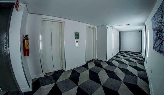 Hotel El Ejecutivo: Pasillo