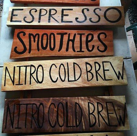 Haiku, Hawaï: Serving Espresso, Smoothies, Nitro Cold Brew coffee and more!