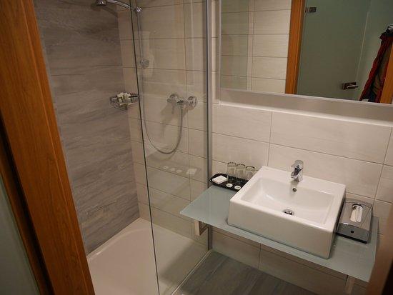 Unhošť, Česká republika: Ванная комната в отличном состоянии