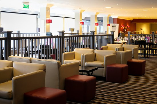 Crowne Plaza Manchester Airport: The Lobby Bar