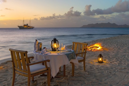 Petit St. Vincent Resort: Private Beach Dinner