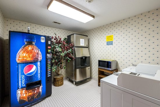 Williamsburg, Αϊόβα: MIAWIVending Laundry