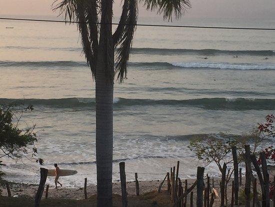 Hotel La Quinta del Sol: Amazing sunset & surf La Quinta Del Sol