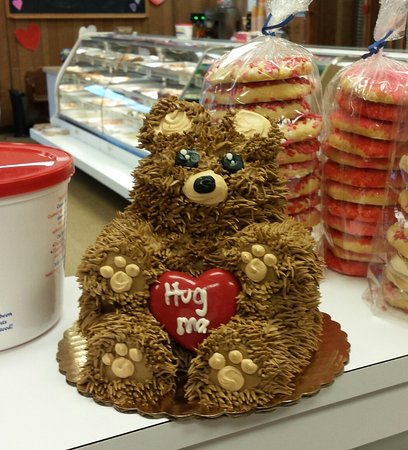 Avon by the Sea, NJ: Teddy bear hug me cake.