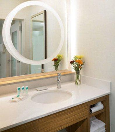 Brentwood, MO: Suite Bathroom Vanity
