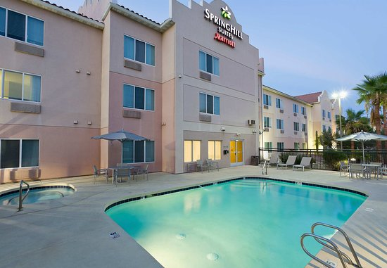 SpringHill Suites Phoenix North: Outdoor Pool & Whirlpool