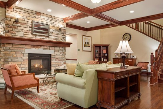 Red Wing, MN: CISREMNLiving Roomwith Fireplace