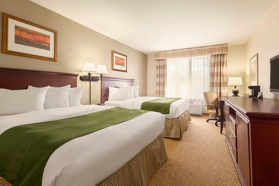 Red Wing, MN: REMNQueens Guestroom