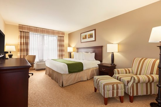 Red Wing, MN: REMNKing Guestroom