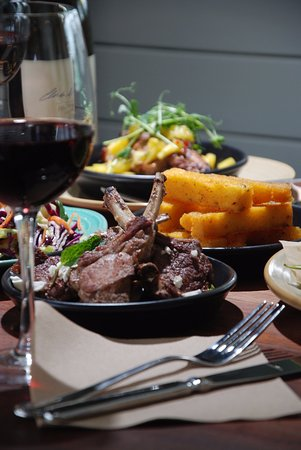 Gisborne, New Zealand: Fine wine and even finer food