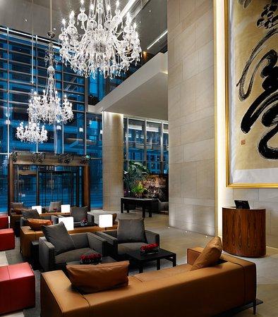 Shangri-La Hotel, Vancouver: Lobby View