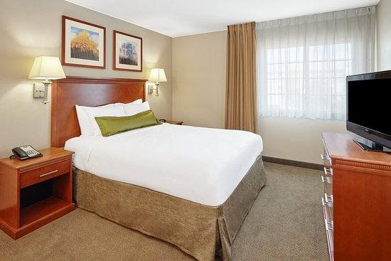 Aurora, IL: ADA/Handicapped accessible One Bedroom Suite bedroom