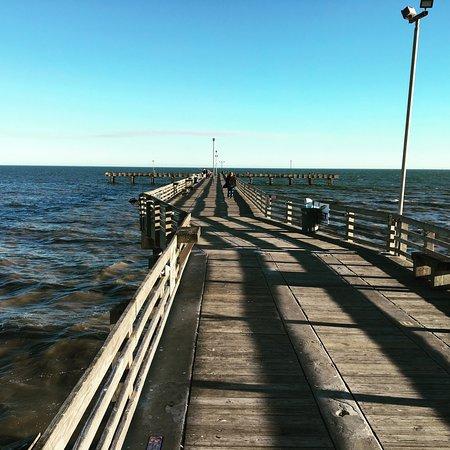 Dede 39 s catch picture of galveston 39 s 61st street for Galveston fishing pier