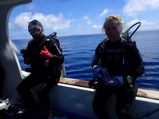 Academy Bay Dive Center: Diving Gordon Rocks