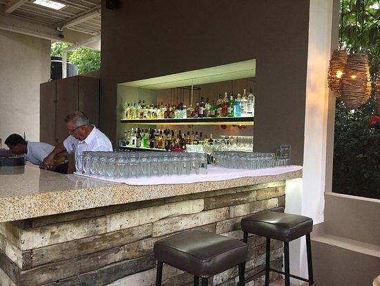 Fajita Republic : Fully stocked bar with skilled bartenders