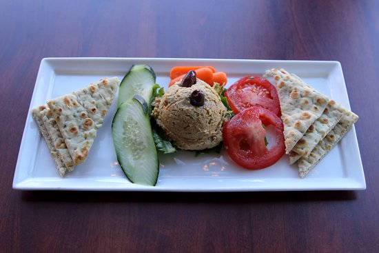 Mountain Oasis - Hummus and Vegetables - January 2017