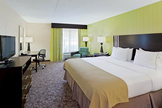 Holiday Inn Express Neptune: King Bed Guest Room