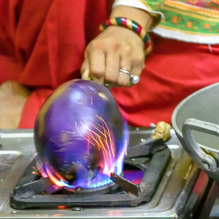 Orchha, India: The roasting of the Aubergines