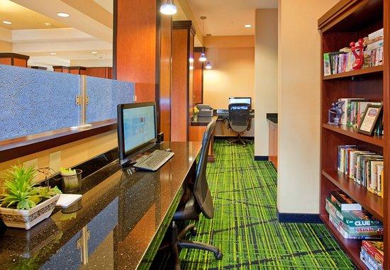 Grand Island, NE: Business Center