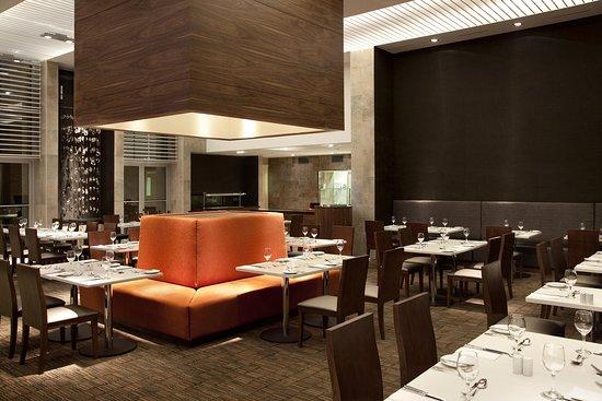 Hilton Garden Inn Santiago Airport: Restaurant and Lounge