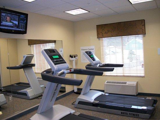 Holiday Inn Express Cortland: Fitness Center