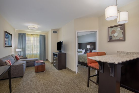 Staybridge Suites Amarillo-Western Crossing: Guest Room