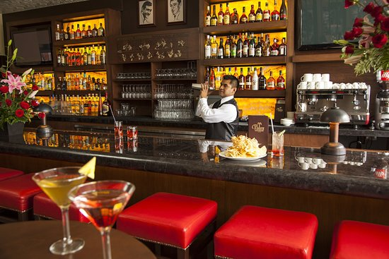 InterContinental Presidente Santa Fe: Sports Bar