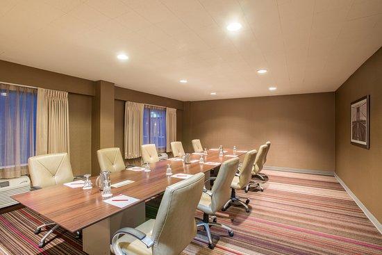 Crowne Plaza Danbury: Opal Meeting Room