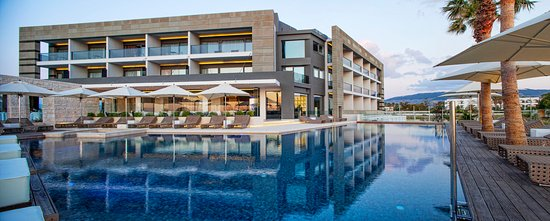 Aqua Blu Boutique Hotel + Spa