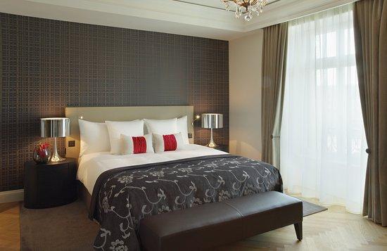 Hotel Schweizerhof: Standard Double King