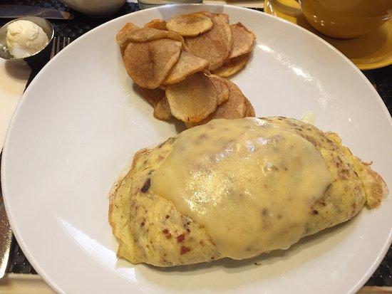 Terrace Pointe Cafe: Egg White Omelette