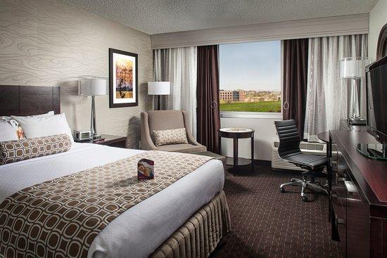 Crowne Plaza Phoenix Airport: Queen Bed Guest Room