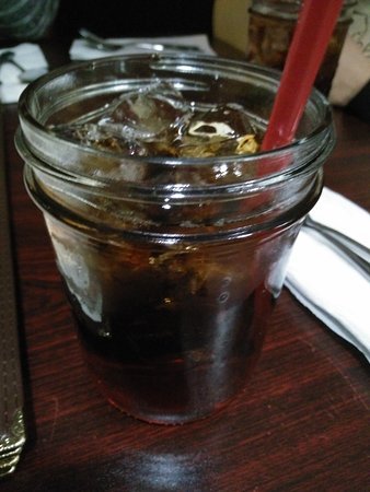 Lee Esther's Creole and Cajun Cooking: refillable sweet tea