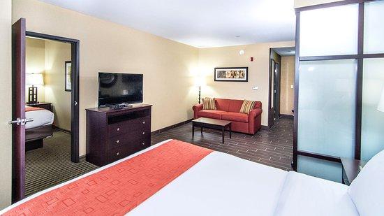 Elkton, MD: 2 Queen Bed Suite