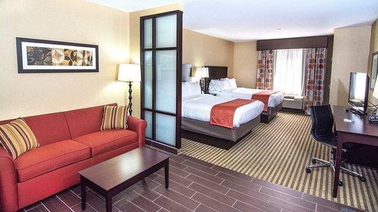 Elkton, MD: 2 Queen Bed Guest Room