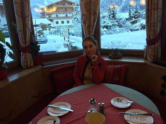 Hotel Garni Austria: Ресторан