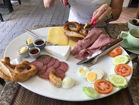 Kokosnuss: German breakfast for two.