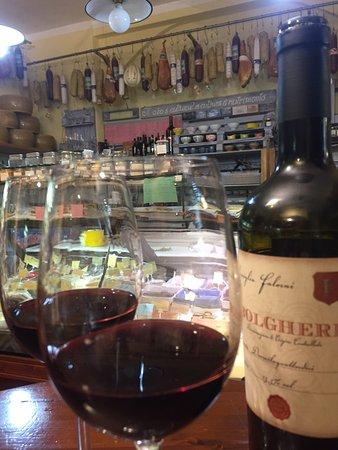Vino rosso bolgheri etichetta famiglia falorni picture for Falorni arredamenti livorno
