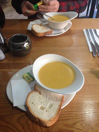 Strathaven, UK: Warm. Comforting. Tasty.