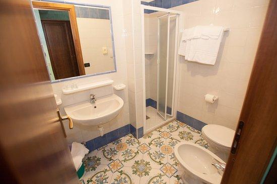 hotel villa sirena bagno camere 2 piano