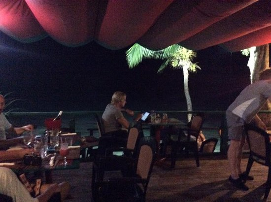 Mullins, Barbados: Bombas main area of the restaurant