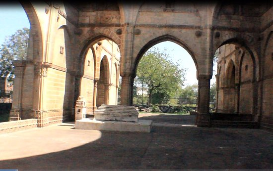 Champaner, Indien: the uncelebrated tomb