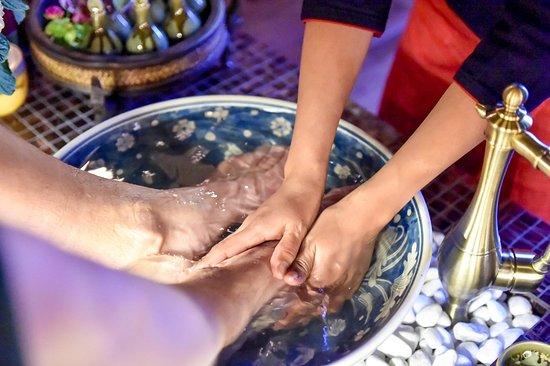 Sverige eskort erotisk massage thailand