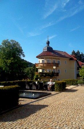Luhacovice, Cộng hòa Séc: foto lázeňského domu Praha z nádvoří Augustianského dómu
