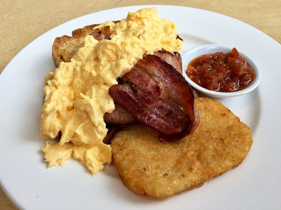 Hyams Beach, Avustralya: Does it look like a more than $19 breakfast?