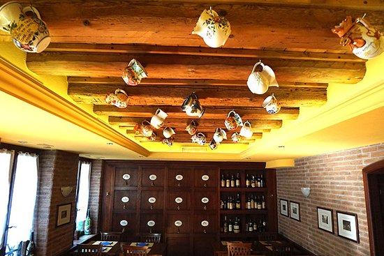 Pizzeria Vesuvio: Una delle sale del nostro ristorante