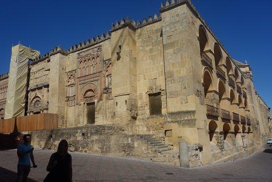 Exterior mezquita catedral de c rdoba picture of for Exterior mezquita de cordoba