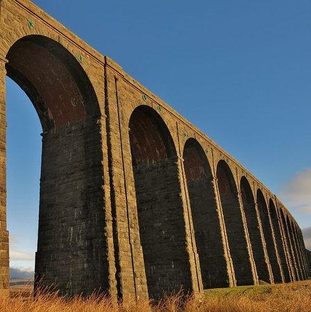 Austwick, UK: The majestic Ribblehead Viaduct - 20 minutes drive away