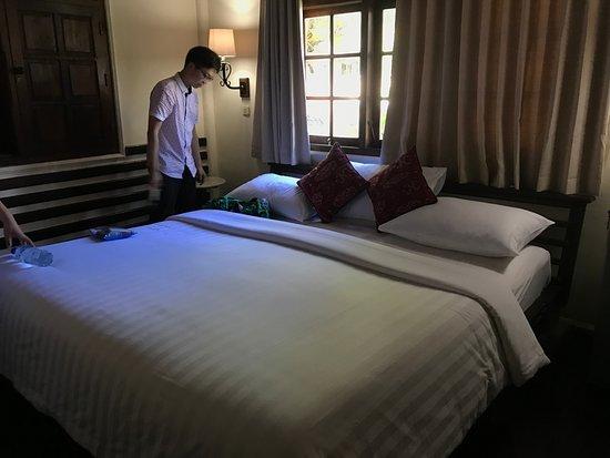 Martas Hotel: 二楼为大床,一楼为单人床