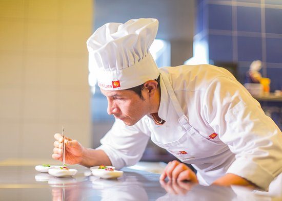 Wayra, Chef Nacho Selis